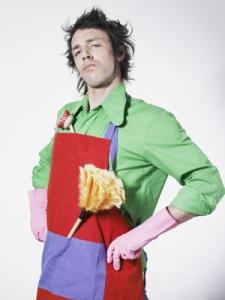 Dans mon entreprise c'est les hommes qui font le ménage et on les prend sur casting, ouai !