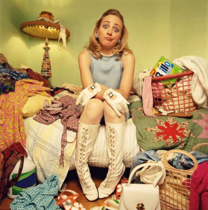 """""""Pffffiou, Je ne sais plus par quoi commencer !""""... peut être par t'acheter des bottes et une lampe de chevet non...???"""